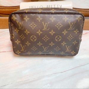 Louis Vuitton 23 Toiletry Trousse Cosmetic Bag